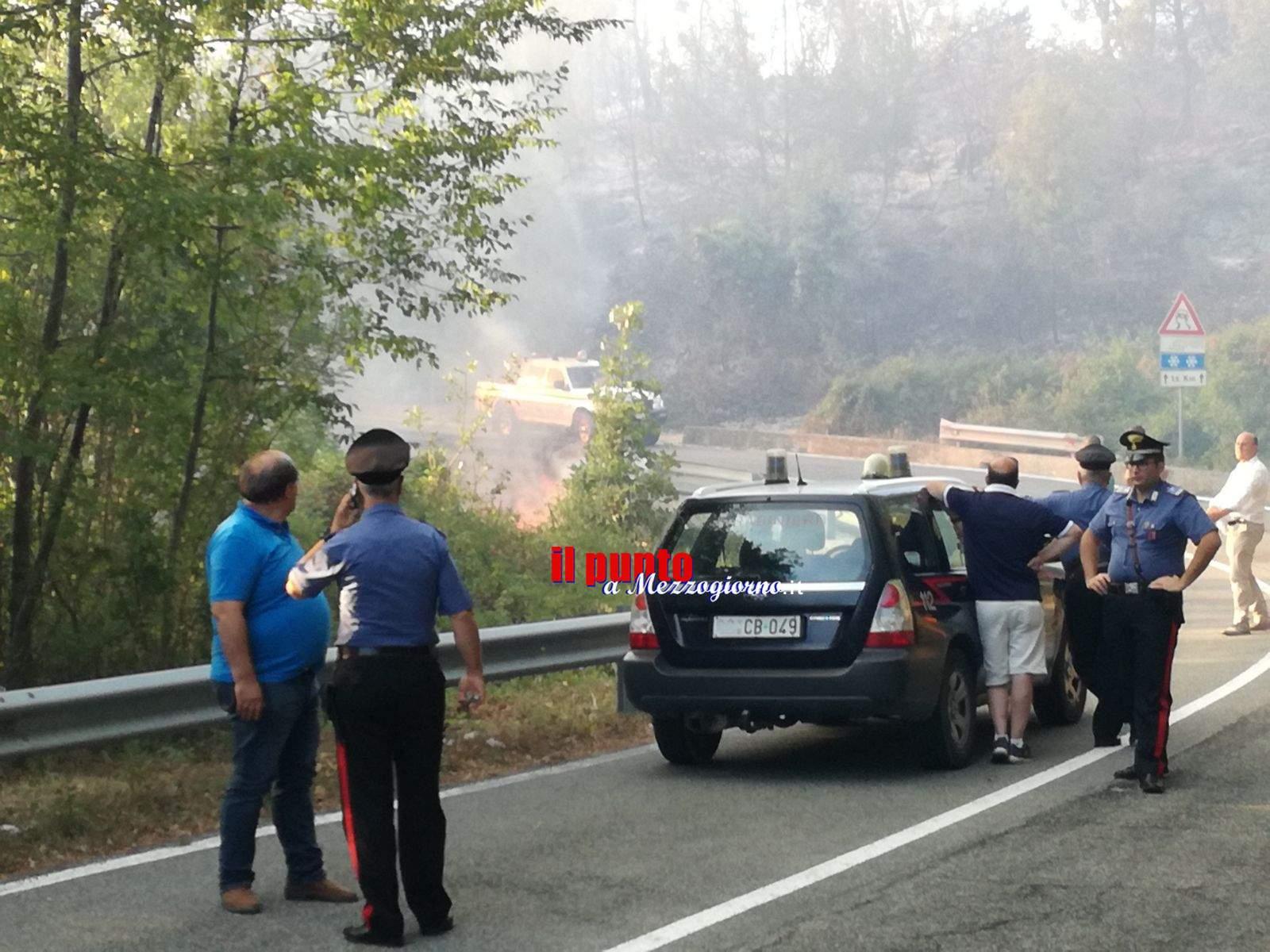 Incendi, fiamme minacciano Supino, Morolo e Campo Catino. Continua a bruciare Monte Cairo