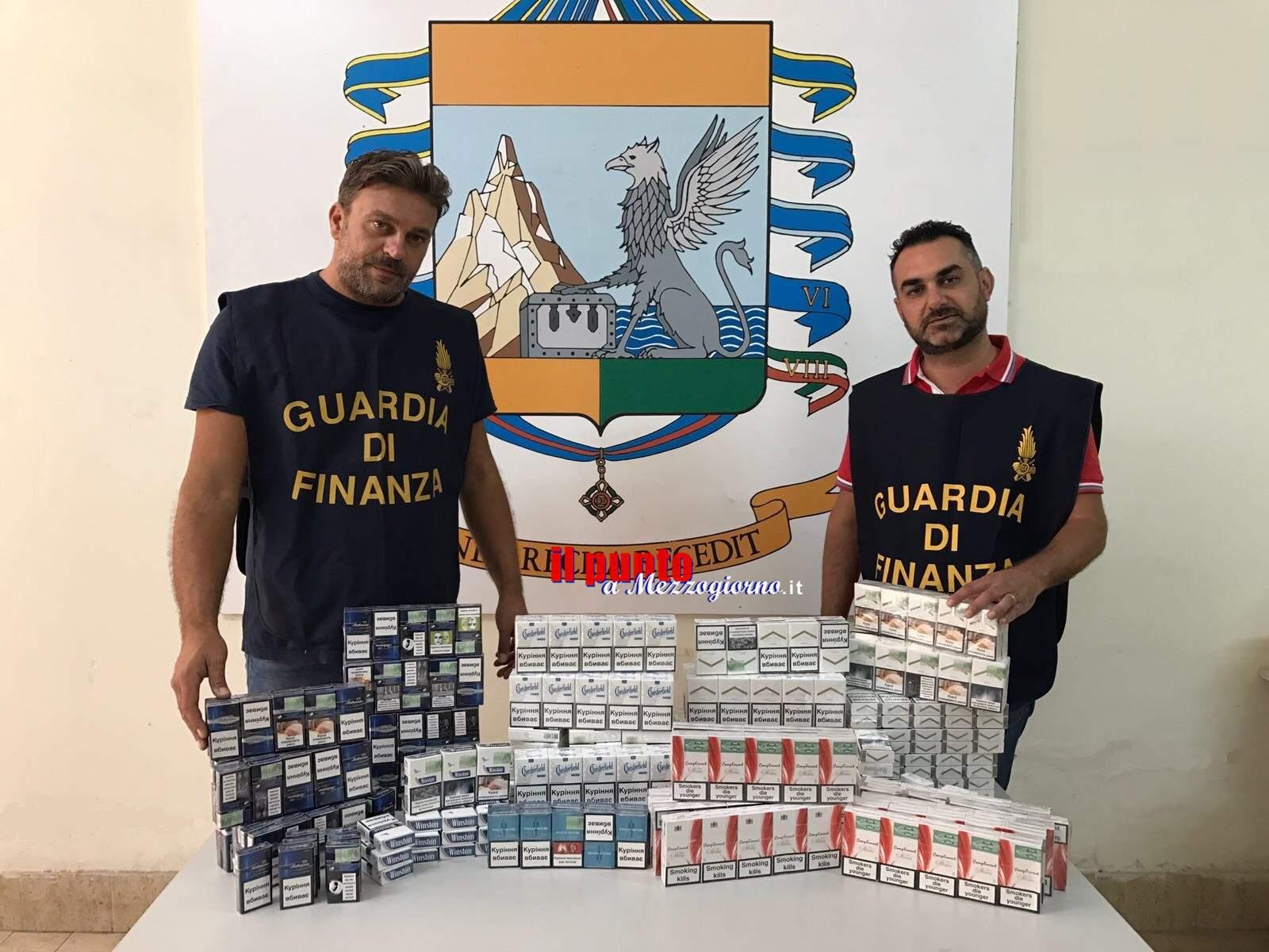 Smerciava sigarette nel proprio alimentari: arrestato 27enne ucraino