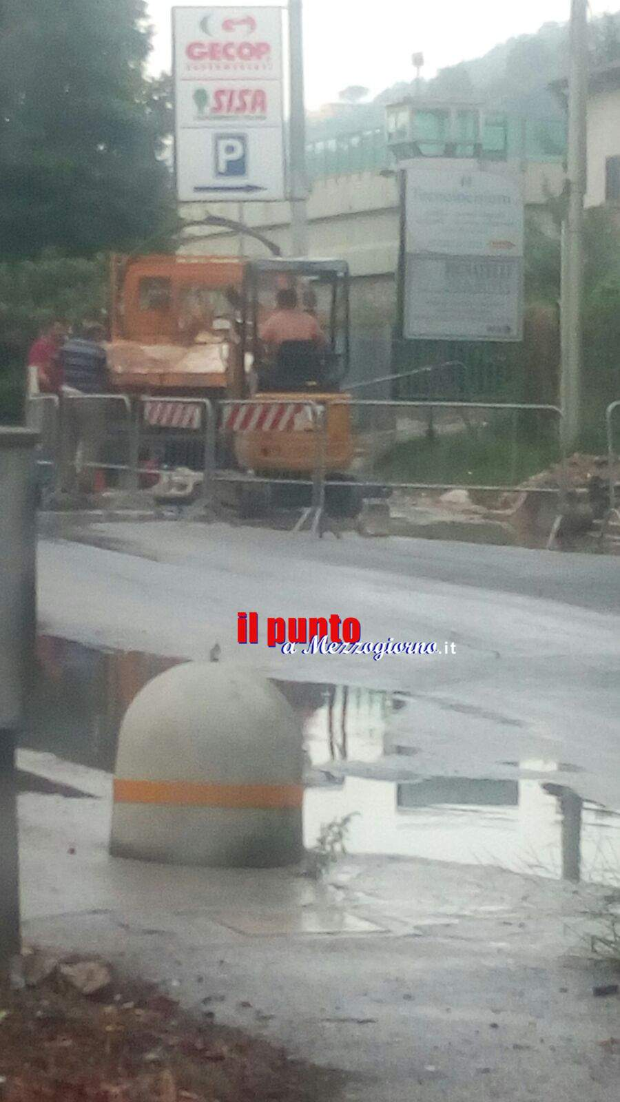 Si rompe la solita conduttura idrica a Cassino, via Sferracavallo ancora allagata