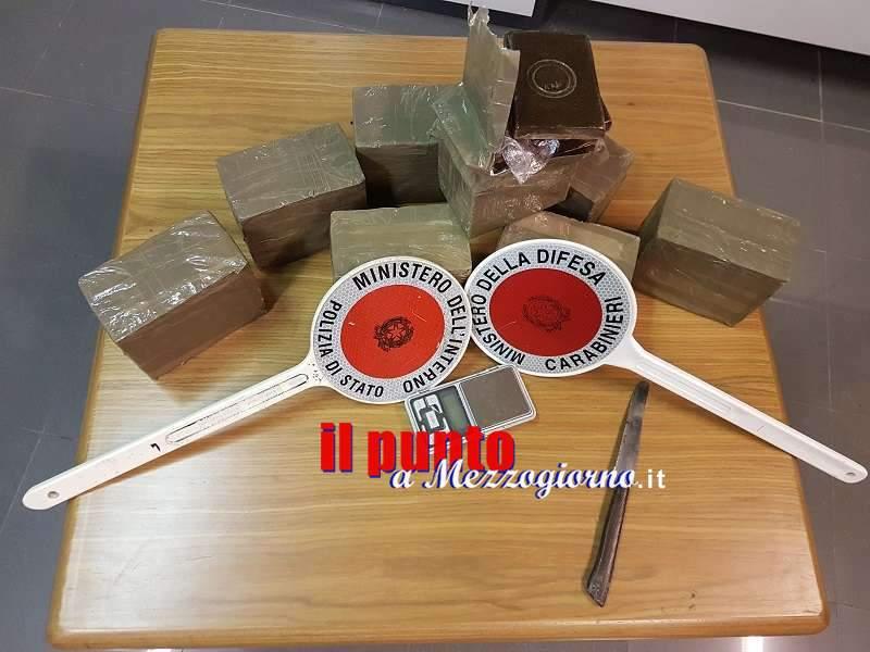 Operazione antidroga congiunta di Carabinieri e Polizia, sequestrati 8 kg di hashish