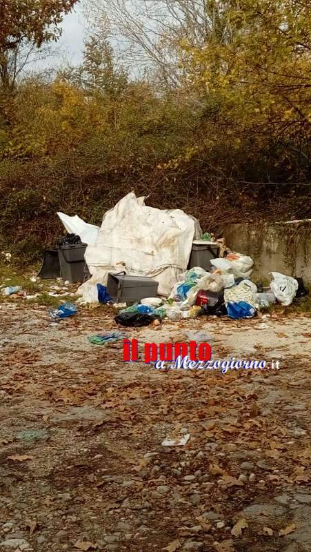Pastenelle, basta un vicolo di campagna agli zozzoni per depositare rifiuti a cielo aperto
