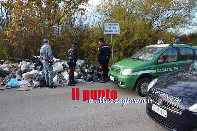 Vasta operazione dei Carabinieri a tutela dell'ambiente: 5 persone denunciate, discarica abusiva sequestrata