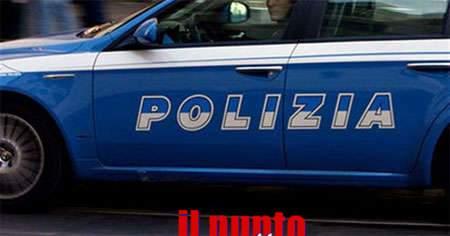 Rubano in una giocheria, due donne arrestate dalla polizia