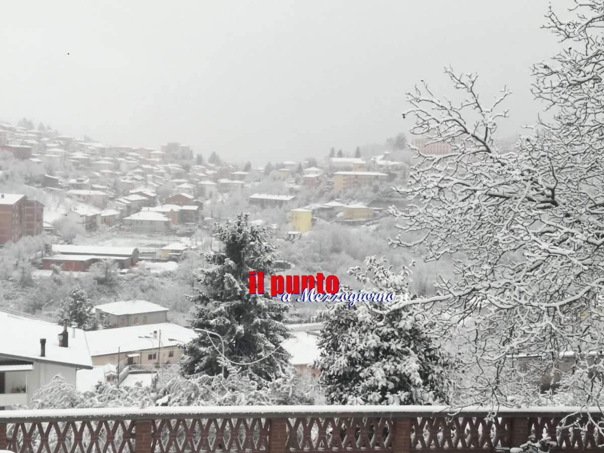 Emergenza maltempo in Ciociaria, disagi per neve a Fiuggi e allerta esondazioni per Liri e Sacco