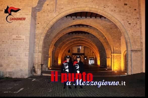 Carabinieri in alta uniforme, durante le feste, nel centro storico di Anagni
