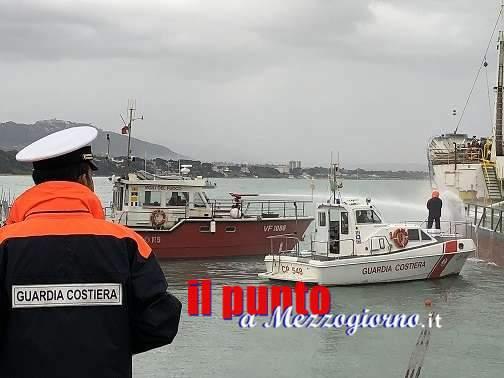 Esercitazione antincendio nel porto di Formia