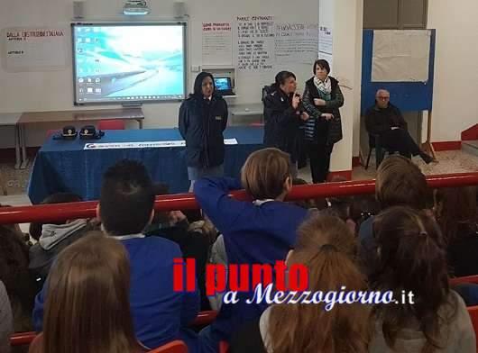 Stop a bullismo e cyberbullismo con la polizia fra gli studenti di Sant'Elia