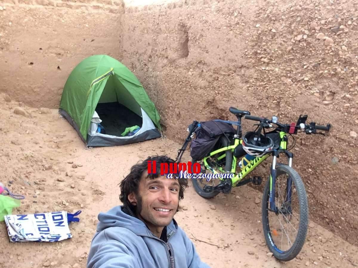 VIDEONOTIZIA – Pedalando nel deserto del Sahara