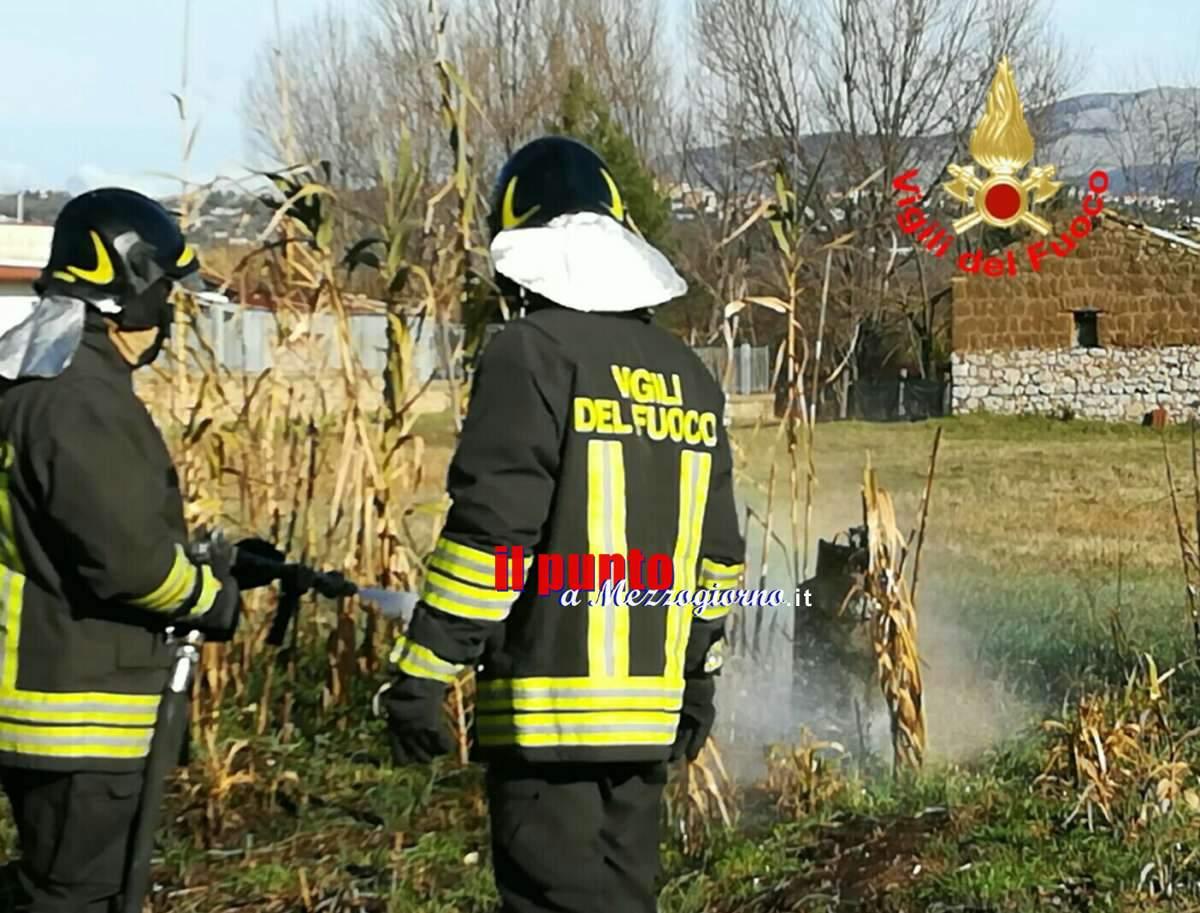 In fiamme auto alimentata a Gas, vigili del fuoco sventano esplosione