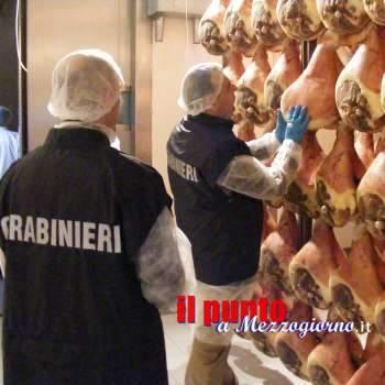 Quattrocento prosciutti di dubbia provenienza, denunciato commerciante di Frosinone