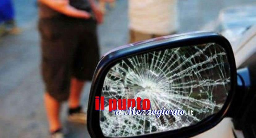 Tentano la truffa dello specchietto all'auto civetta dei carabinieri: arrestati uomo e donna