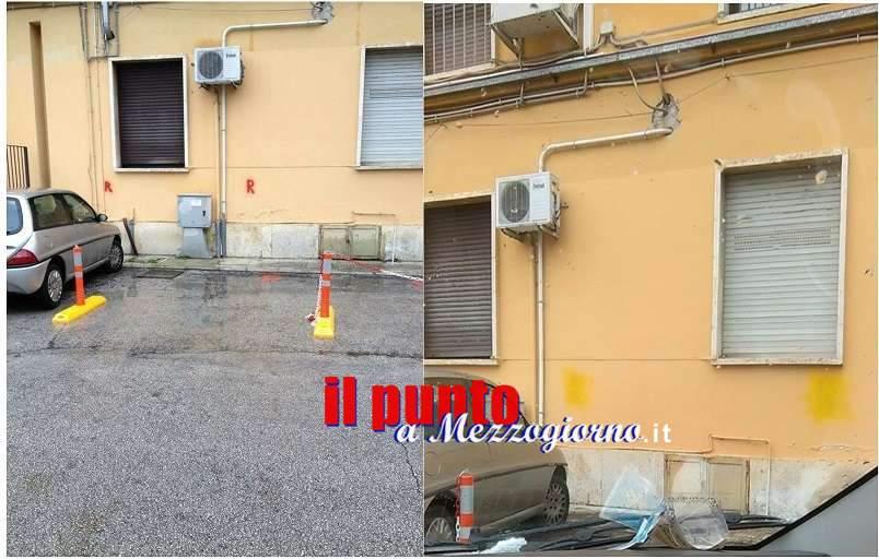 """Cassino, """"Spuntano…due posti riservati"""" nel parcheggio di via Tommaso Piano, ma destinati a chi?"""