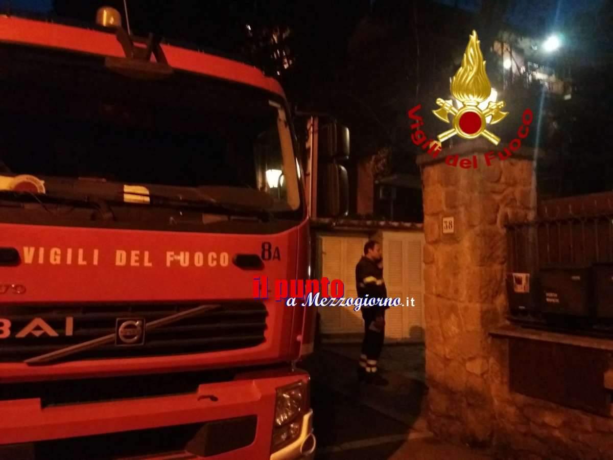Incendio in appartamento a Roma, donna 52enne muore tra le fiamme