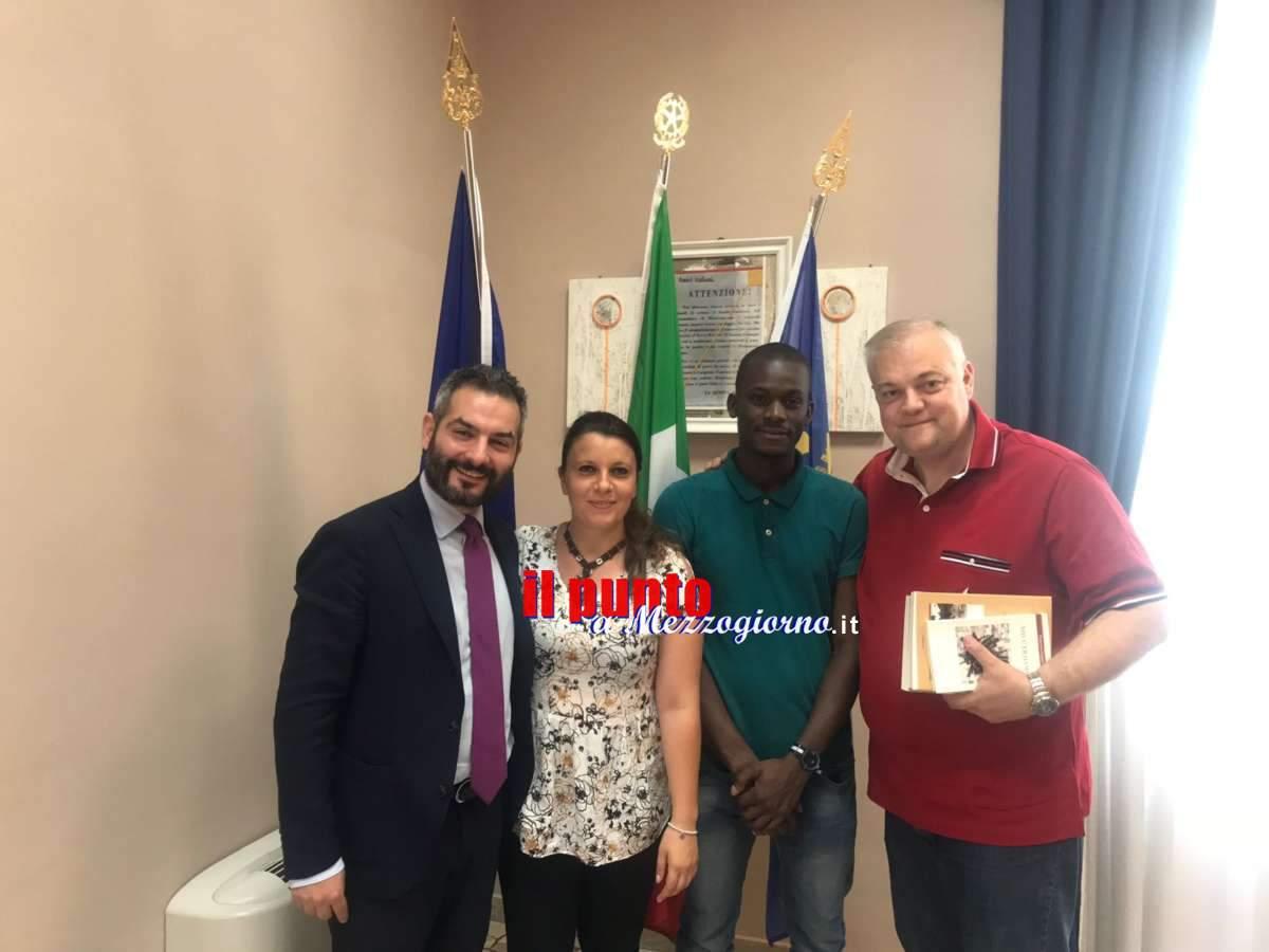 Insultati da una commerciante di Cassino, Biko e Mary ricevuti da sindaco e assessore