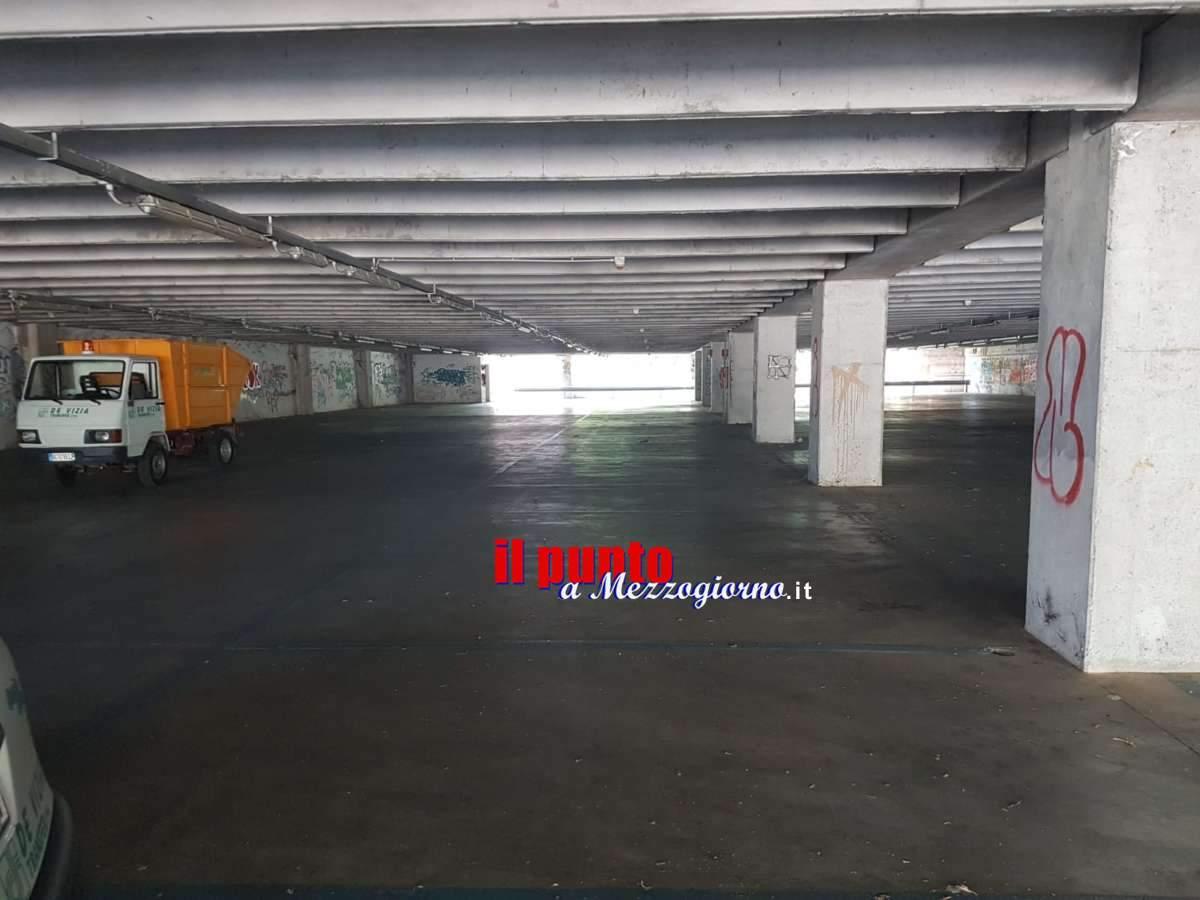 Maxi pulizie nel parcheggio multipiano di via Di Biasio e in quello di piazza Garibaldi