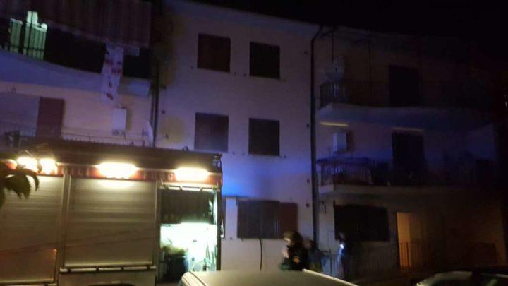 Incendio appartamento a Piedimonte San Germano, evacuata famiglia