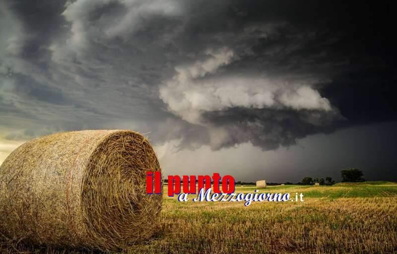 Allerta meteo dalla protezione civile: forti piogge al centro-nord e sulla Campania