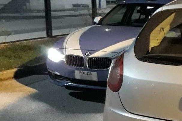"""Auto con """"un passato misterioso"""" in transito sull'A1 a Cassino, denunciati i tre occupanti"""