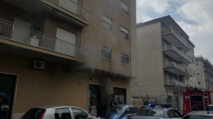 Cassino, incendio in un deposito-laboratorio di telefonia