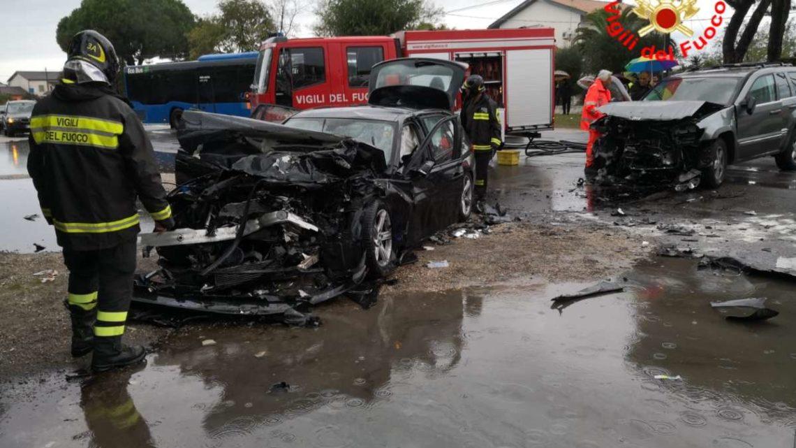 Incidente stradale a Terracina, ferite tre persone e una bambina