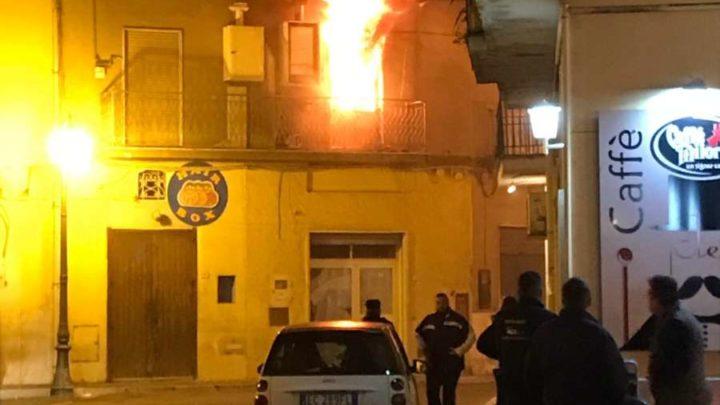 Appartamento distrutto da incendio a Castelforte