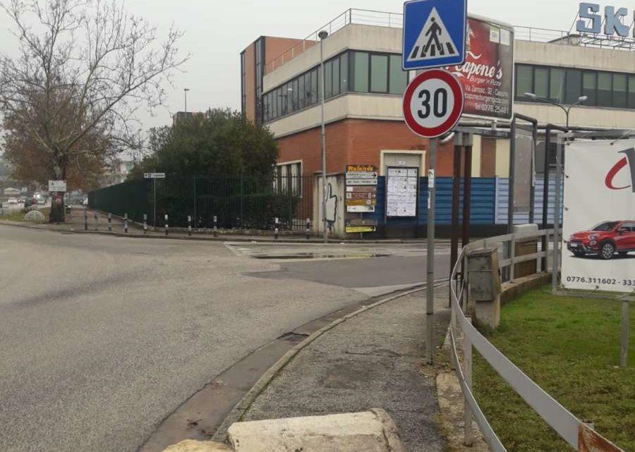 La storia in pezzi, decapitato a Cassino il cippo miliario della regio consolare Borbonica