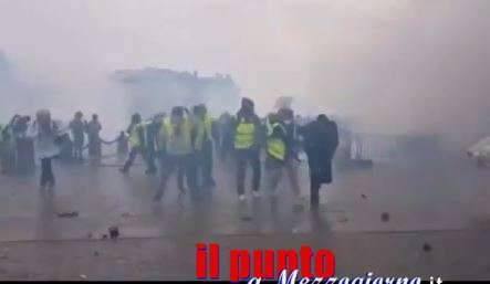I gilet gialli e la battaglia di Parigi per dire basta – VIDEO