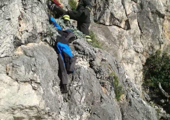 FOTO E VIDEO – Arrampicata da brividi a Itri, rocciatore precipita per decine di metri