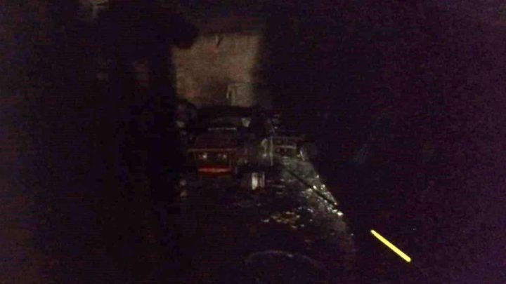 Incendio a Velletri, in fiamme capannone agricolo. Mistero su un furto d'olio