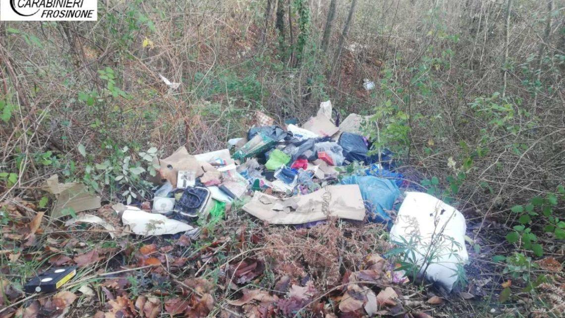 Individuato e multato ad Arpino 39enne straniero che scaricava rifiuti nei boschi