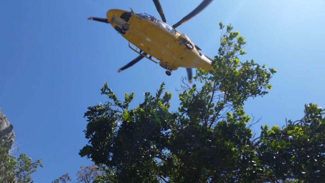 Si infortuna cadendo sul sentiero, recuperato in elicottero dal Soccorso Alpino a Subiaco