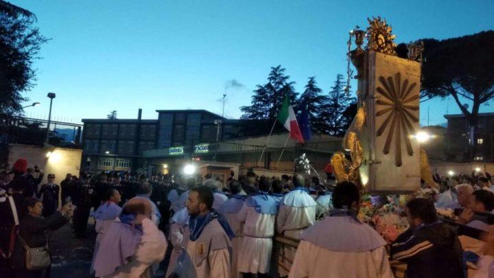 """""""Evviva Maria"""", dopo sei anni la Madonna delle Grazie di Velletri torna davanti la Scuola Carabinieri – FOTO"""