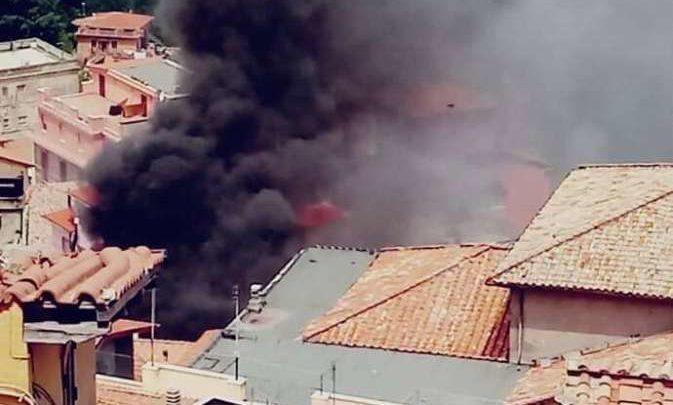 Esplosione in Comune a Rocca di Papa, tre indagati per disastro colposo ma non sono gli operai