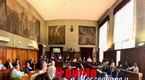 Cassino, primo Consiglio comunale dell'era Salera, nessuna chiusura a riccio, ma non senza polemiche