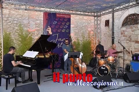 Il trio di Giorgio Ferrera, nella suggestiva cornice di Palazzo Cantelmi, apre Atina Jazz Festival