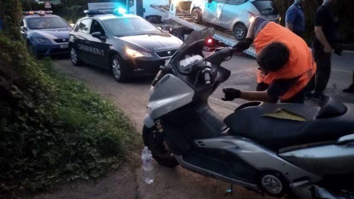VIDEO – Scooter si schianta contro un'auto a Lariano, grave un 43enne di Velletri . Traffico in tilt