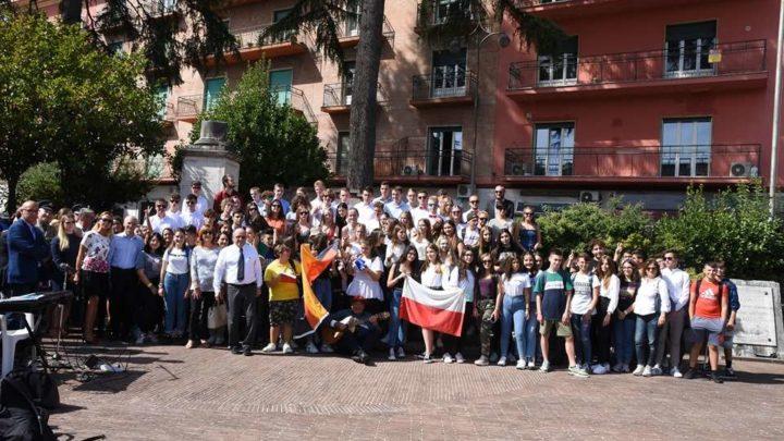 Cerimonia per Commemorare i caduti in piazza De Gasperi con gli studenti della Fondazione Stiftung
