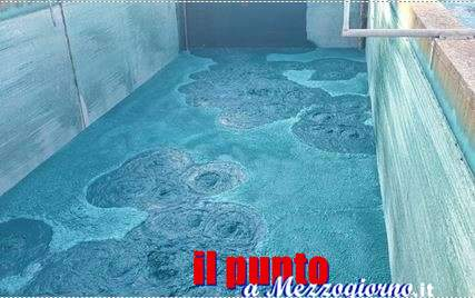 Poltiglia blu sversata nel Rio Torto a Pomezia, sequestrati scarichi industriali