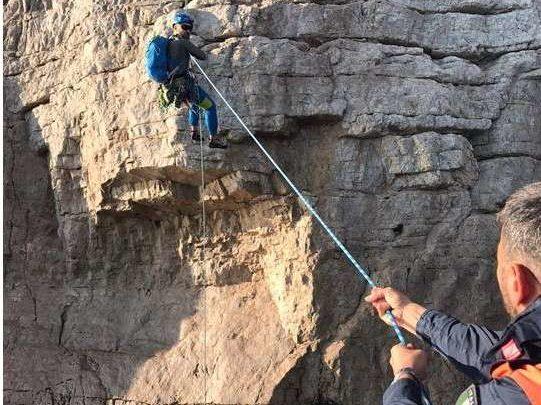 Gaeta, rocciatori bloccati nella Grotta del Turco su Monte Orlando, soccorsi dalla Capitaneria di Porto