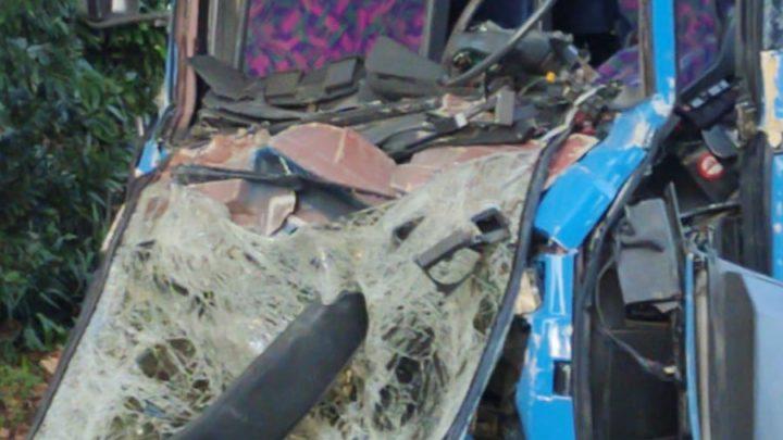Pullman tampona camion sulla Casilina a Cassino. Autista in gravi condizioni