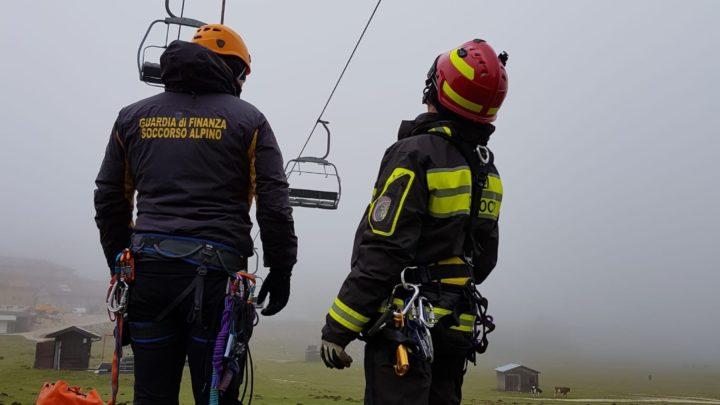 Sciatori bloccati sulla seggiovia, esercitazione a Campitello Matese di vigili del Fuoco e Soccorso Alpino della Guardia di Finanza
