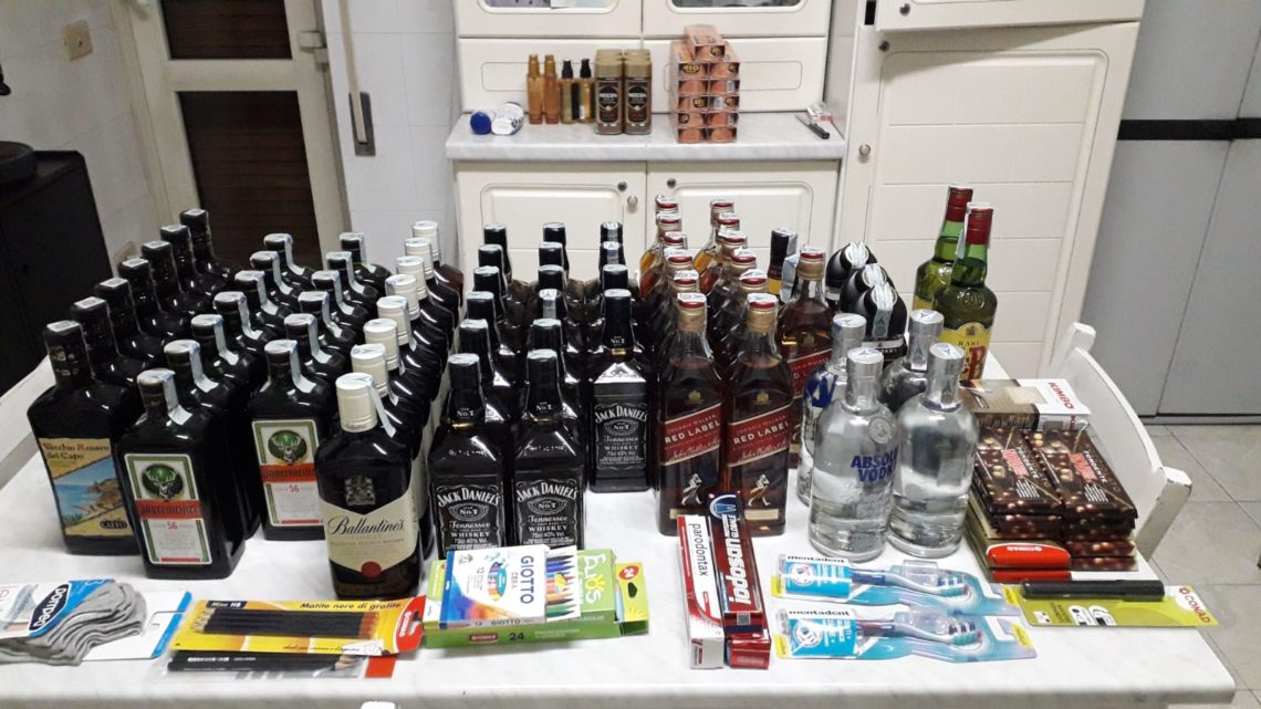 Fanno razzia di liquore nel supermercato Conad di Isola Liri, arrestati quattro stranieri