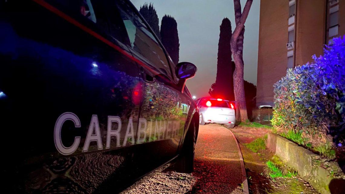 Picchia e rapina l'ex moglie a Frosinone, arrestato 60enne