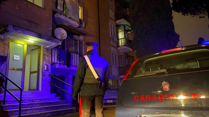 Chiude i figli piccoli in casa e va dall'amico, a Veroli suoceri fanno denunciare donna 26enne