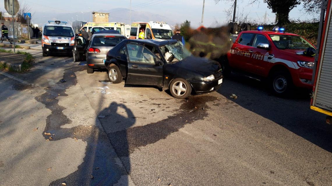 Tragedia sulla superstrada Cassino Mare all'incrocio con via Cerro Antico, muore anziano