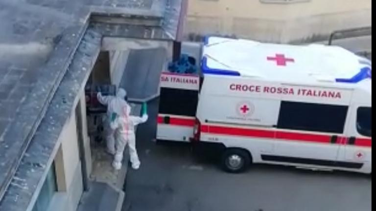 Coronavirus, in Italia al momento 77mila positivi. 105mila in totale. 15mila persone guarite, 12mila i morti