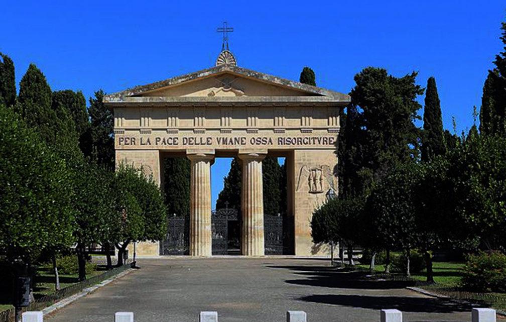 CORONAVIRUS LECCE. L'Arcivescovo e il Sindaco commemorano i caduti del Covid-19