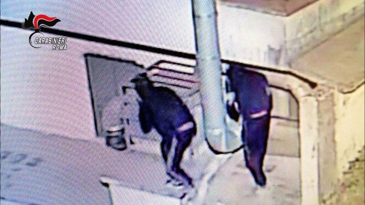 Tentano furto in un bar ad Artena, arrestati dai carabinieri ad Artena