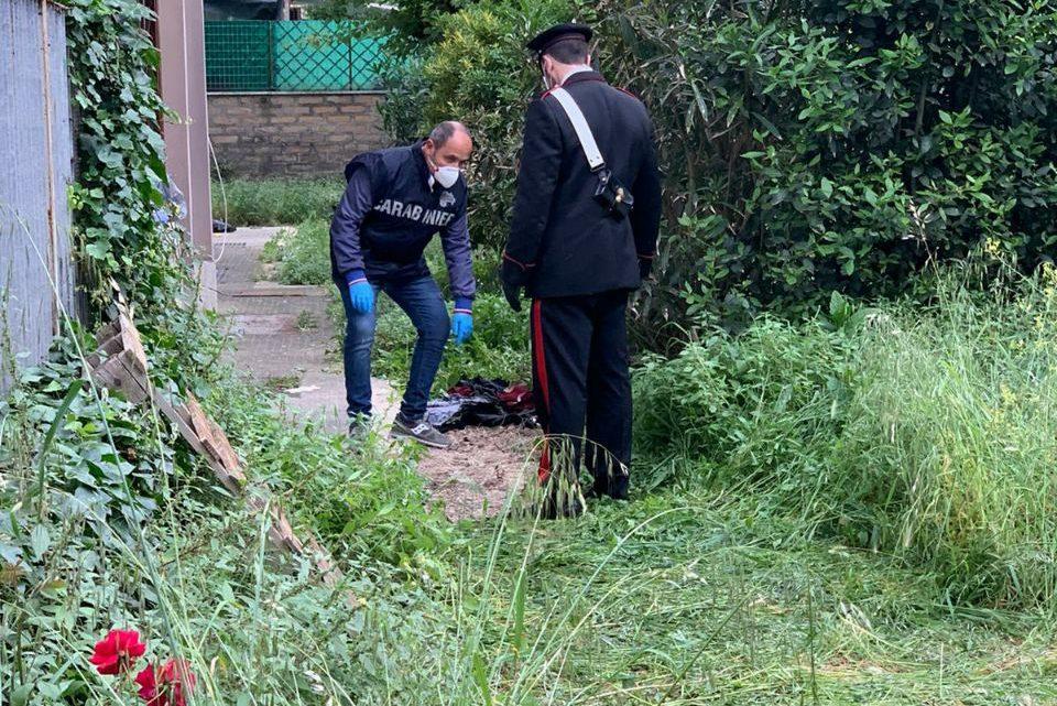 Killer in casa a Ciampino, un morto ed un ferito grave. Fermato presunto assassino