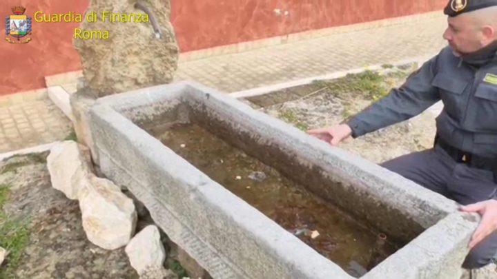 Decine di reperti storici  risalenti al II secolo Ac recuperati dalla finanza in provincia di Frosinone